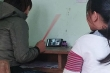 Bi hài họp phụ huynh trực tuyến: Người ngủ ngáy, người cầm roi bắt con ngồi cạnh