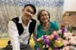 Tự cắm hoa tặng mẹ nhân ngày 20/10, Dương Triệu Vũ nhận cái kết khó đỡ