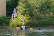 Thầy giáo nhảy xuống sông cứu nữ sinh nhảy cầu tự tử