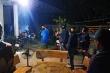 Bị vây bắt, nhóm cướp cố thủ trong nhà dùng bình gas, mã tấu chống công an