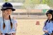 Hồng Nhung cho hai con sinh đôi tập cưỡi ngựa tại Mỹ