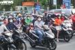 Đường phố TP.HCM vẫn đông đúc sau khi thành phố ra văn bản khẩn