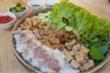 Hương vị bún đậu mắm tôm Việt trên đất Campuchia