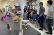 Sinh viên trổ tài điêu khắc, giảng viên chưa chấm xong khách đã đòi mua