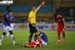 Cầu thủ Hà Nội FC nhận thẻ đỏ: Vì sao cứ thua cuộc là đá xấu?