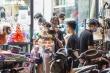 Ảnh: Người Hà Nội đổ xô mua sắm đồ chơi Trung thu bất chấp dịch COVID-19