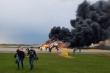 Video: Máy bay Nga bật như châu chấu trên đường băng trước khi bốc cháy