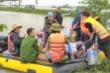 Hàng hóa cứu trợ miền Trung ứ đọng rất nhiều: Thứ trưởng Quốc phòng lý giải
