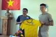 Video: HAGL ký hợp đồng với 2 ngoại binh, HLV Kiatisak trao áo đấu