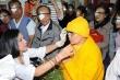Việt Trinh tổ chức mổ mắt cho người nghèo thay vì làm sinh nhật