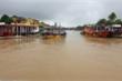 Ảnh: Nước sông Hoài dâng cao, nhiều tuyến đường ở phố cổ Hội An ngập sâu