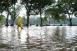 Vì sao khu vực Hồ Gươm ngập sâu sau trận mưa lớn chiều 17/8?