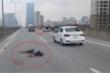 Chạy xe máy vào đường trên cao bị taxi tông chết: CSGT Hà Nội lên tiếng
