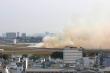 Máy bay nổ lốp trên đường băng sân bay Tân Sơn Nhất