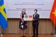 Việt Nam trao 100.000 khẩu trang hỗ trợ Thụy Điển chống COVID-19