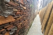 Độc đáo những bức tường cổ xây bằng mảnh chum, tiểu sành ở làng Thổ Hà