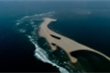 Đảo cát khổng lồ nổi giữa biển Cửa Đại 'biến hình' liên tục không theo quy luật