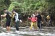 Video: Băng rừng lội suối khám phá 'tuyệt tình cốc' Bình Phước