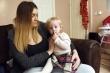 Bà mẹ xông vào phòng phẫu thuật yêu cầu bác sĩ cứu con gái ngay lập tức