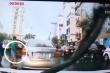 Thanh niên đi ô tô 'hôi' chùm vải giữa đường: Miếng ăn hay miếng nhục nhã?