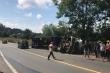 Lật xe container trên đường Hồ Chí Minh, 4 người bị thương nặng