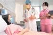 Tiêm vaccine COVID-19 xong bị sốt mới biết có thai, phải làm sao?