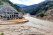200 công nhân mắc kẹt trong rừng kêu cứu: Dùng cáp treo tiếp tế lương thực