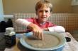 Video: Cô giáo dạy rửa tay bằng nước và hạt tiêu khiến học trò hào hứng