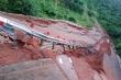 Đắk Nông: Mưa lớn kéo dài, đường xuống thác Liêng Nung sạt lở kinh hoàng