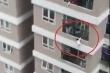 Nam thanh niên cứu bé gái 2 tuổi rơi từ tầng 13 chung cư ở Hà Nội