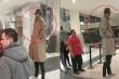 Clip: 2 thanh niên 'bá đạo' giả làm người khổng lồ vào rạp xem phim bom tấn