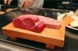 Bò Kobe giá 18 triệu đồng/kg vẫn 'cháy' hàng ở Việt Nam được nuôi thế nào?