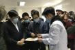 Phó Thủ tướng thăm 3 tình nguyện viên tiêm vaccine ngừa COVID-19 đầu tiên