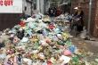 Dân phong tỏa bãi rác Nam Sơn, Hà Nội rác ngập đầy đường
