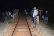 Ngồi trên đường ray, nam thanh niên bị tàu hỏa tông chết