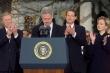 Tổng thống Trump bị luận tội, cả nước Mỹ nhắc lại bê bối ngoại tình của Clinton