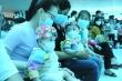 Trúc Nhi - Diệu Nhi đón Trung thu cùng hàng trăm em nhỏ tại bệnh viện