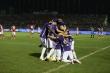Công Phượng giận dữ đòi 11m không thành, CLB TP.HCM thua tan nát Hà Nội FC