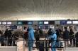 Công dân Việt Nam hồi hương từ Pháp trên chuyến bay của Vietnam Airlines