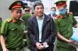 Ảnh: Dàn cựu lãnh đạo Công ty cổ phần Gang thép Thái Nguyên bị dẫn giải tới tòa