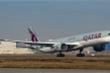 Hàng không bận rộn hỗ trợ khách bị hủy bay do COVID-19