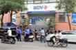 Nổ súng cướp ngân hàng BIDV: Trước khi bỏ trốn, 2 tên cướp còn ném lựu đạn