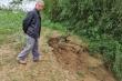 Sạt lở bờ sông Trà Khúc, 'hà bá' nuốt chửng đất sản xuất của dân