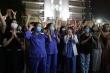 Clip: Y bác sĩ Bệnh viện Bạch Mai vui mừng trước khoảnh khắc dỡ bỏ lệnh cách ly