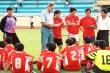 Bóng đá Việt Nam từng lạc hậu, sao vẫn mời được HLV Alfred Riedl?