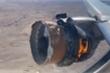 Ảnh, video: Động cơ máy bay Boeing 777 cháy ngùn ngụt trên bầu trời