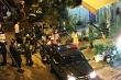 Hỗn chiến trong quán nhậu, 1 người bị chém gần lìa tay, 4 người thương nặng