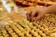 Giá vàng hôm nay 24/7: Chịu áp lực của đồng USD, vàng giảm giá