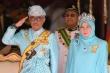 7 nhân viên Hoàng gia nhiễm virus corona, Vua và Hoàng hậu Malaysia tự cách ly