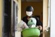 Ảnh: Sinh viên Đà Nẵng dọn đồ, nhường ký túc xá làm nơi cách ly